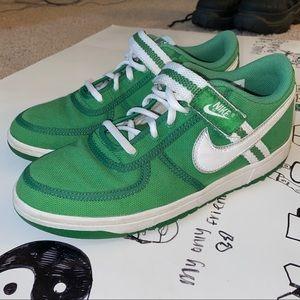 green nike vandals 314675-311